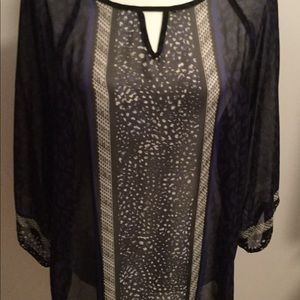 2/30$. Abstract pattern sheer top